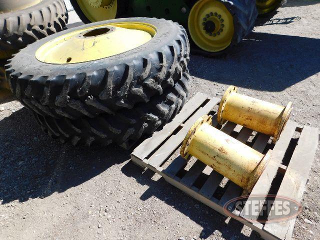 Set 14.9-46 triples, tires, rims, - spacer,_1.jpg