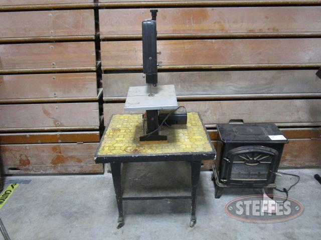 Black - Decker 7.5- Band Saw_1.JPG