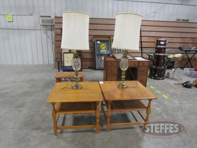 2 End Tables - 2 Lamps_1.JPG