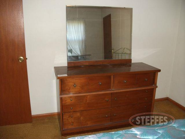 Dresser with Mirror - Chests of Drawers_2.jpg