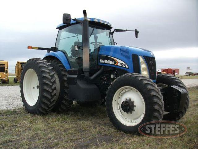 2006 New Holland TG210_2.jpg
