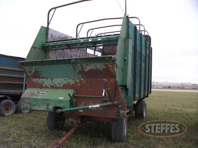 Badger Silage Wagon_2.jpg