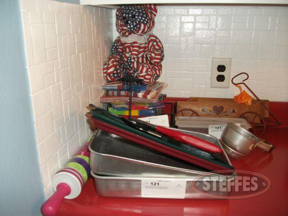 Assorted kitchen household items_2.jpg