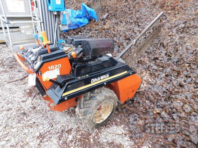 DitchWitch 1820