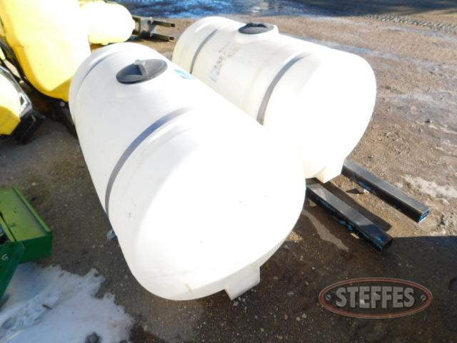 Front-mount 200 gal. poly tanks_1.JPG