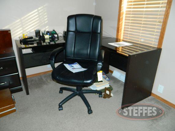 Desk, chair, - various office supplies_2.jpg