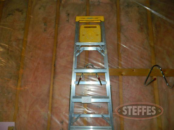 7- Ladder - step stool_2.jpg