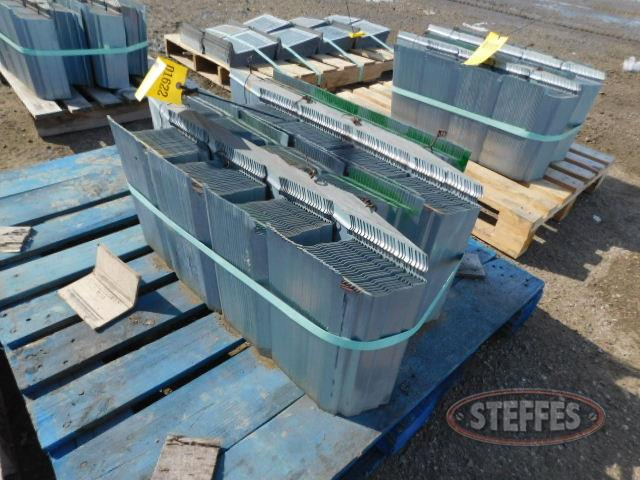 Pallet of approx. 200 floor supports,_1.JPG
