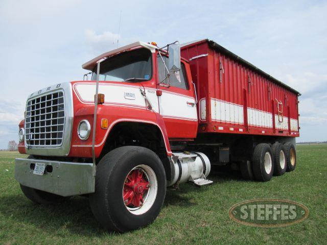 1977 Ford Louisville 9000