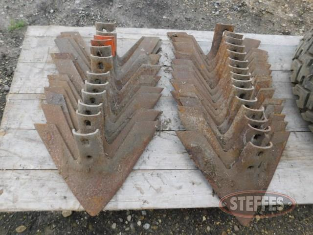 (27) chisel plow sweeps, 16""
