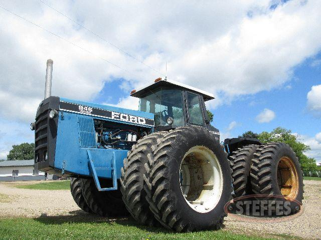 1990 Ford New Holland 946
