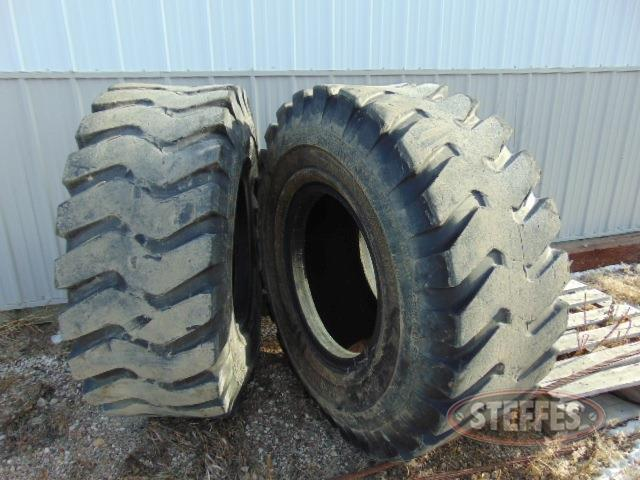 (2)-20-5x25-tires-_1.jpg