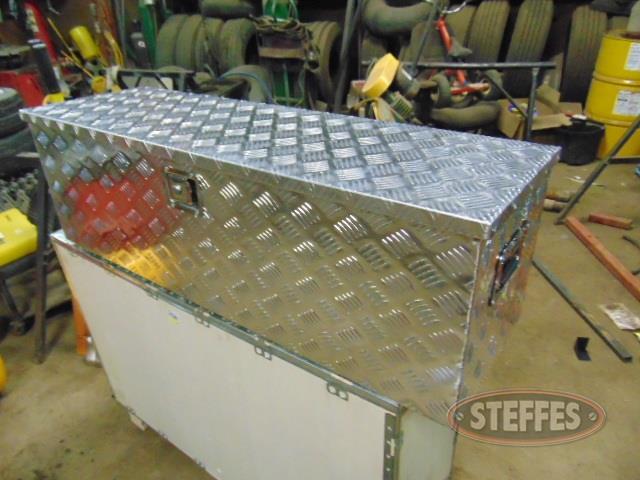 48--aluminum-tool-box--_1.jpg