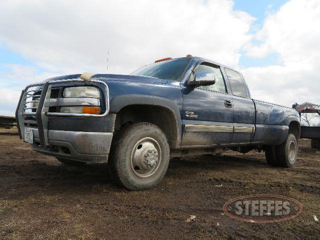 2001-Chevrolet-Silverado-3500-LS_0.JPG