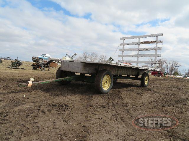 Flatbed-hay-rack_0.JPG