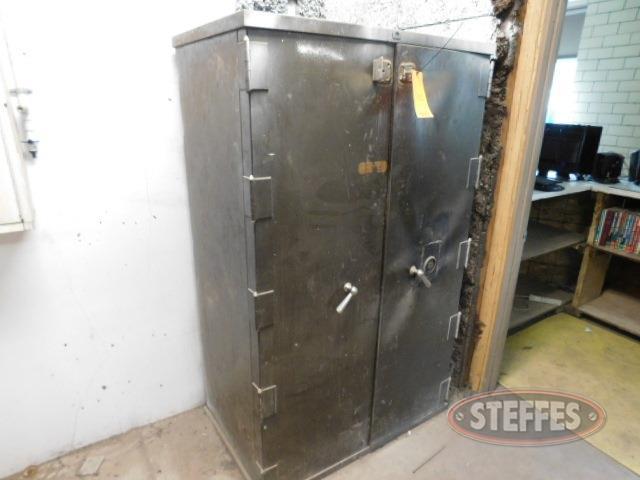 Safe-Cabinet-_1.jpg