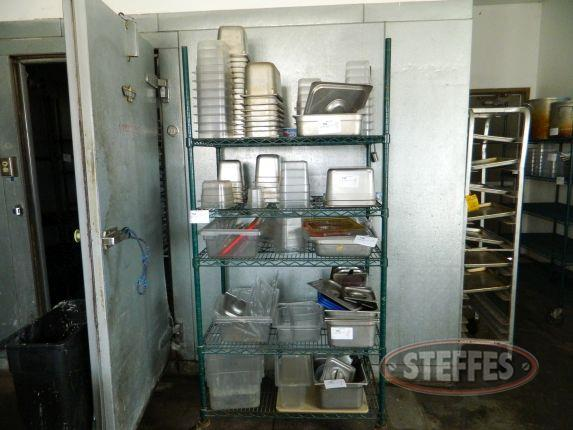 Wire Shelving Unit on Casters_1.jpg
