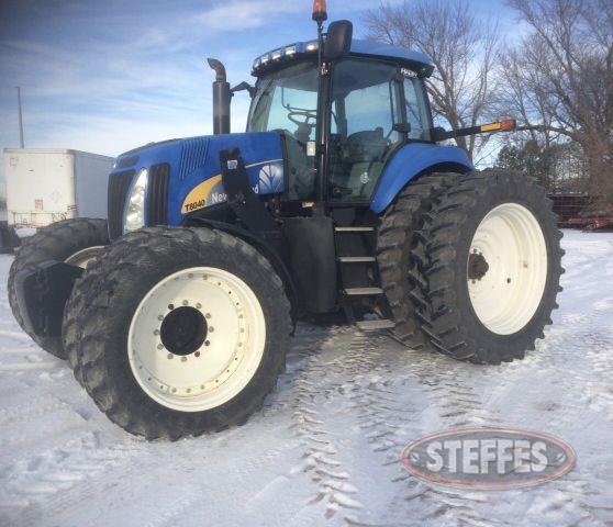 2011 New Holland T8040