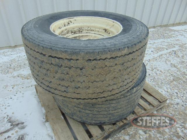 (2)-455-55R22-5-Super-Single-tires-_1.jpg