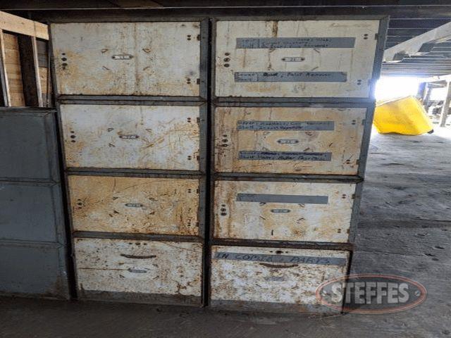 (8)-lockers--_1.jpg