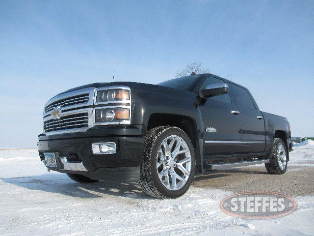 2014-Chevrolet-1500-High-Country_0.JPG