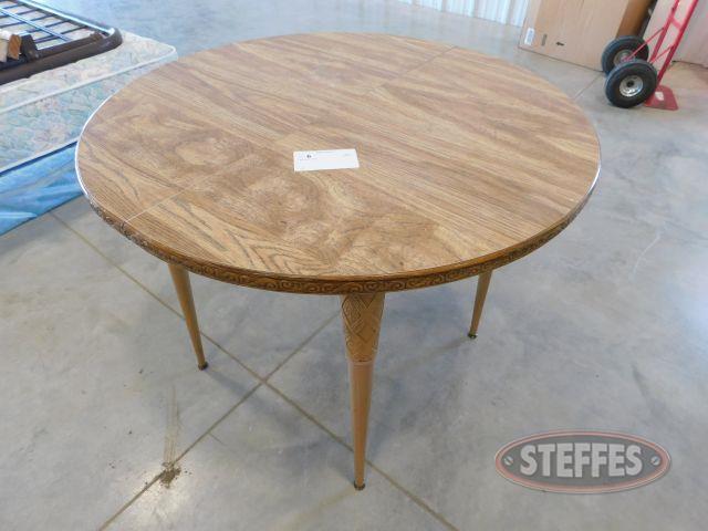 36--Round-Table_1.jpg