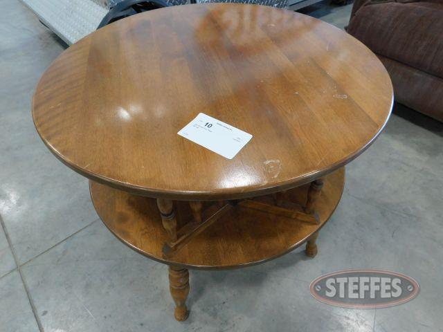 "28"" Round End Table"