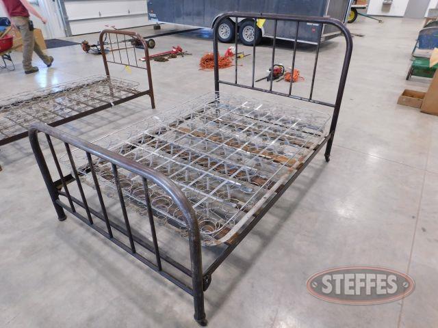 Steel-Frame-Full-Bed_1.jpg