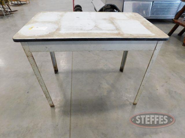 Metal-Table_1.jpg
