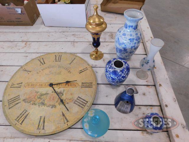 Assortment-of-Glass-Decor---Clock_1.jpg