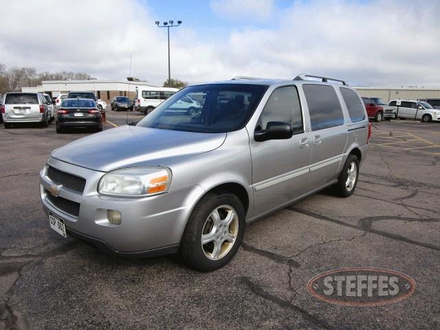 2006-Chevrolet-Uplander-LT_1.jpg