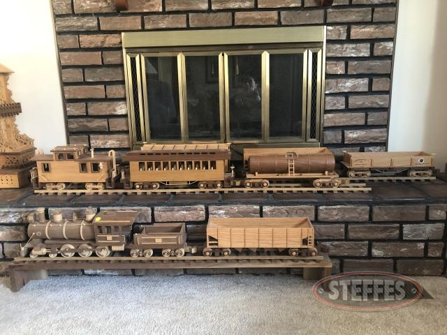 Train-Set-and-Track--8-piece-_2.jpg