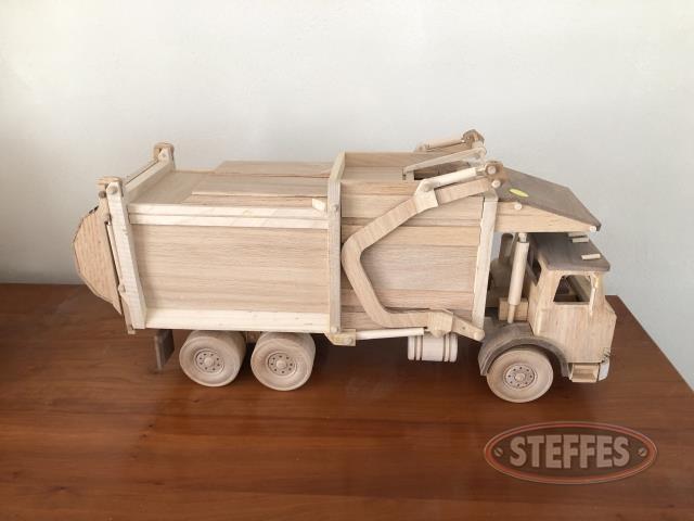 Garbage-Truck_2.jpg