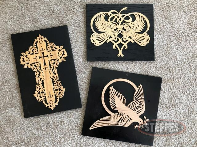 (3)-Wall-Plaques--Dove--Heart--and-Cross_2.jpg