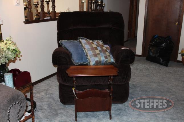 Cloth-Recliner-and-Magazine-Table_2.jpg