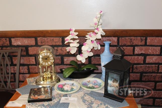 Anniversary-Clock--(2)-Wall-Plaques--Vase----Decor_2.jpg