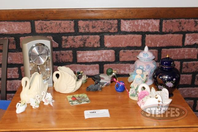 Clock--Swan-Planters--Ginger-Jars--Figurines--and-Misc-_2.jpg
