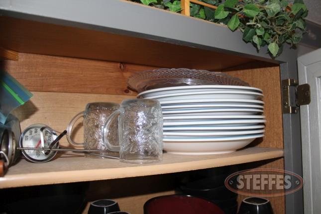 (3)-Shelves-of-Dishes_7.jpg