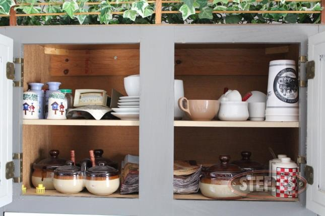 (2)-Shelves-of-Assorted-Dishes_2.jpg