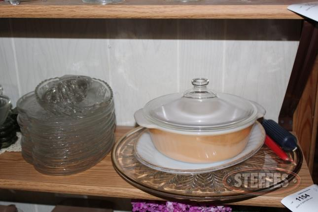 Contents-of-Shelf--Glassware-and-Serving-Sets_2.jpg