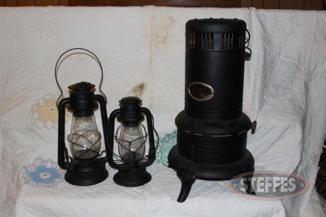 Vintage-Kerosene-Heater-and-(2)-RR-Lamps_2.jpg