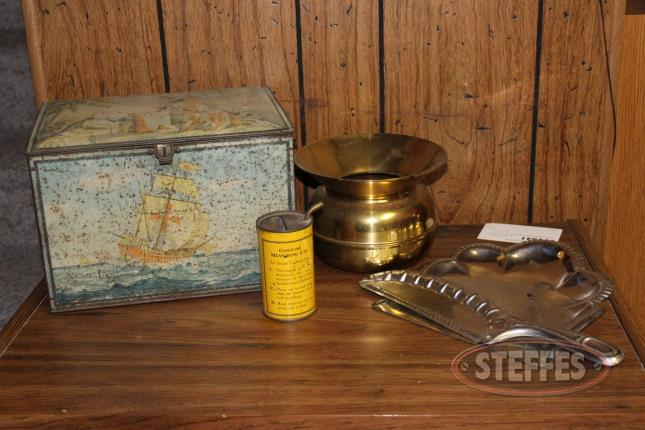Vintage-Tin-Box--Gas-Can--Spittoon--and-Dust-Pan-and-Brush-Handle_2.jpg