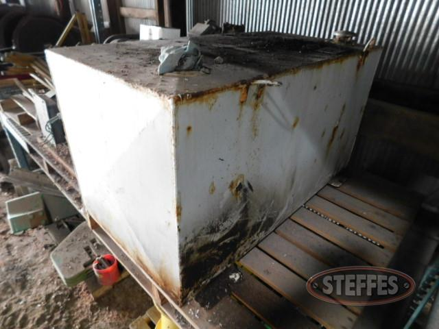 Rectangle fuel tank, 95 gal.,_1.JPG