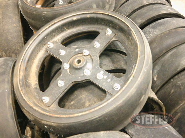 (48)-Lankota-Mudsmith-gauge-wheels-_1.jpg