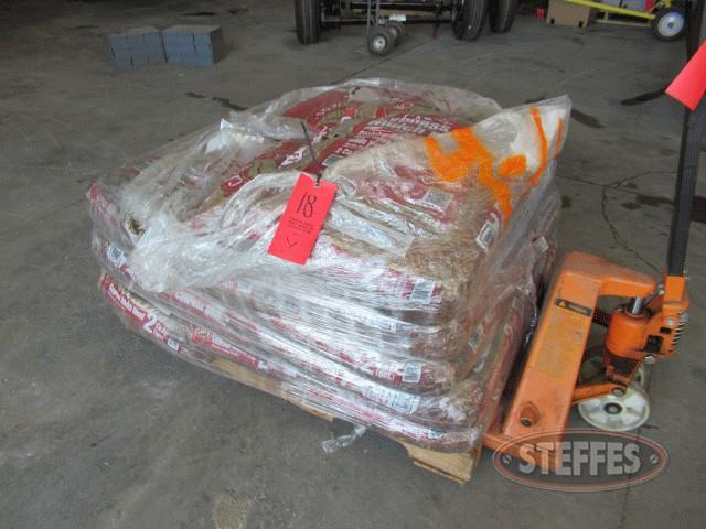 Pallet-of-mulch-_0.jpg