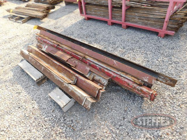 Pallet-of-asst--3----4--steel-corner-braces-for-forms_1.jpg
