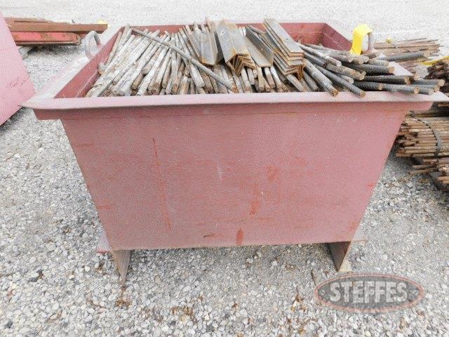 Crate-of-24--steel-form-rods_1.jpg
