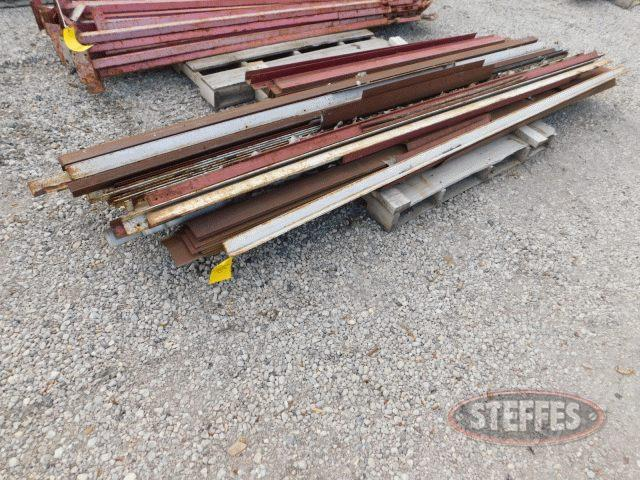 Pallet-of-asst--steel-corner-bracing--2-_1.jpg