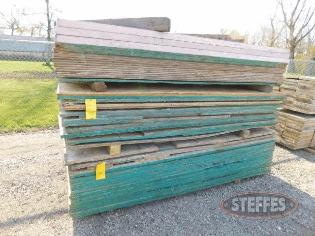 (2)-stacks-of-asst--OSB---plywood--4-x8-_1.jpg