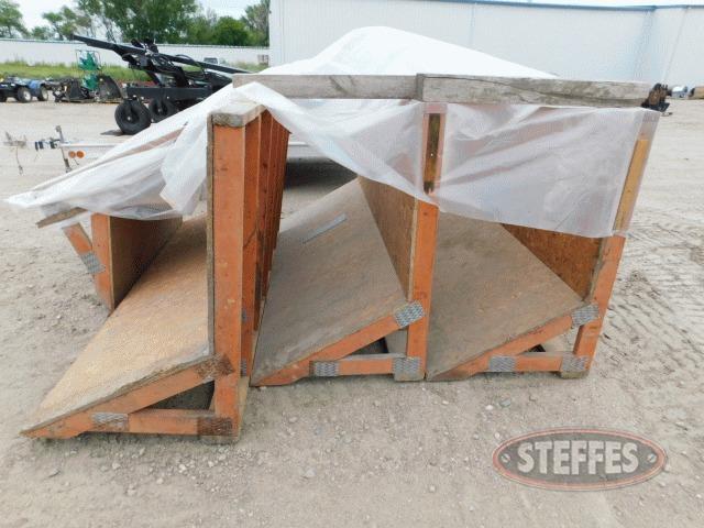 Wooden-grain-bunkers--_1.jpg